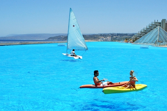World S Biggest Swimming Pool Be Amazed